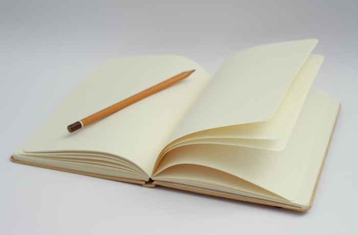 notebook writing pencil start